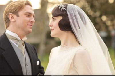 Mary-and-Matthew-Crawley-Wedding-downton-abbey-32428302-3000-2000